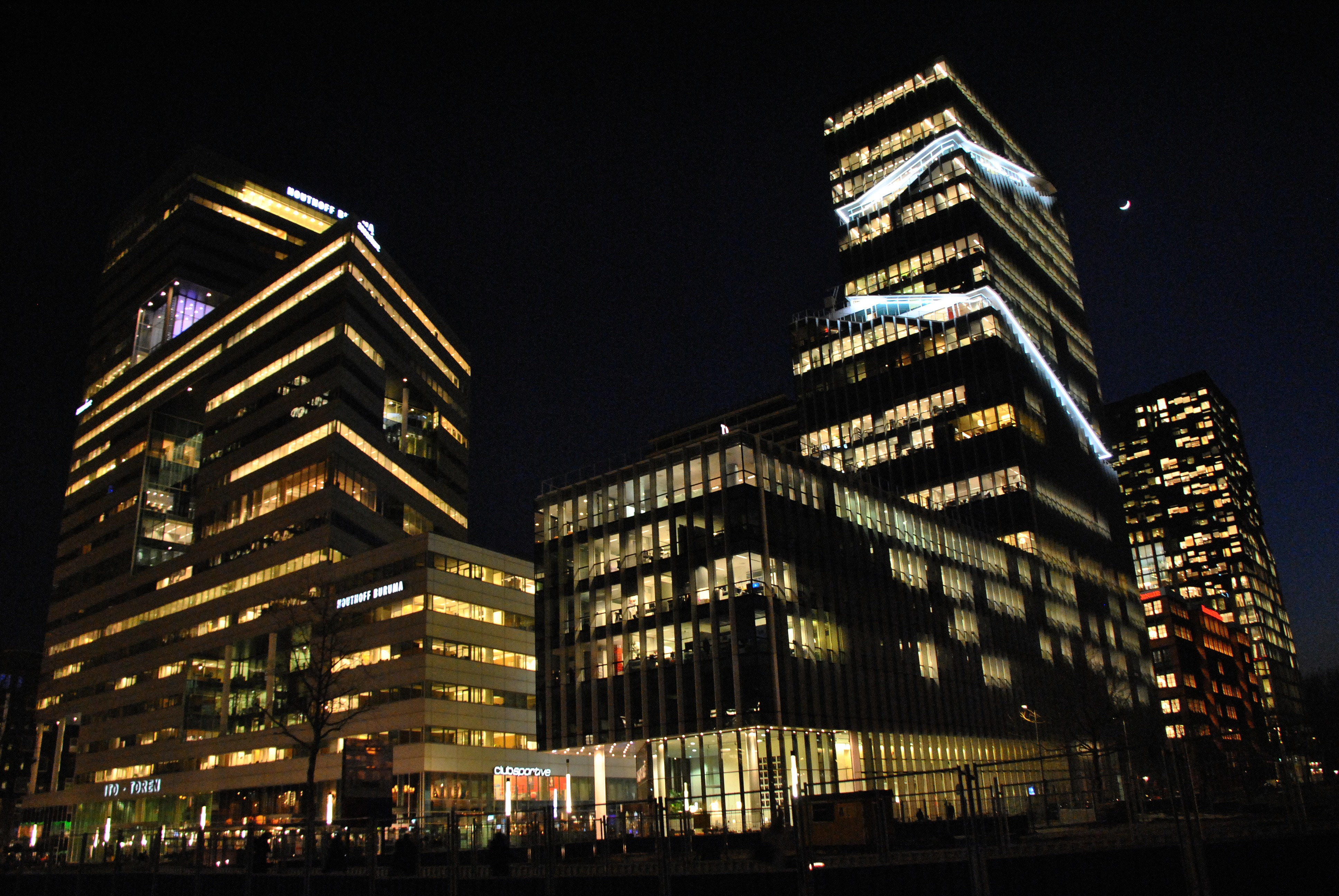 Amsterdam Zuidas Vi Oly By Night Vrijspraak